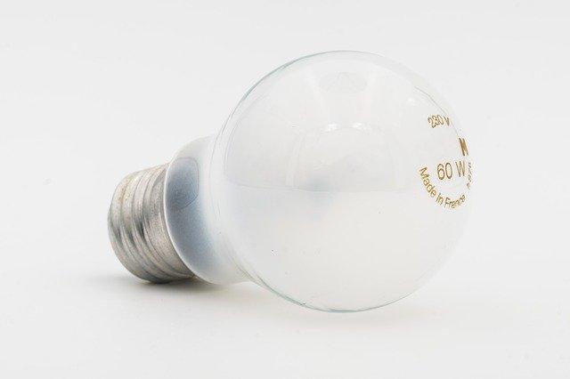 žárovka 60 w.jpg